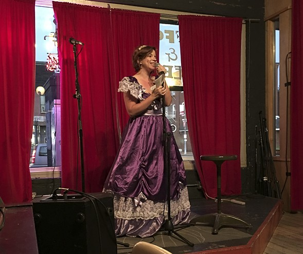 Comedian Angela Smith as Mary Todd Lincoln at a past History Shmistory. - SUN-TIMES MEDIA