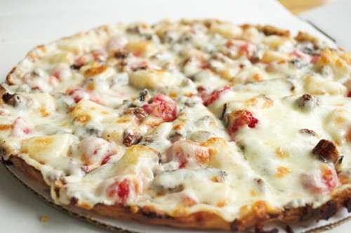 Pizza trocpical, Pizza y Pan Pa' Ya - NICK ABAD