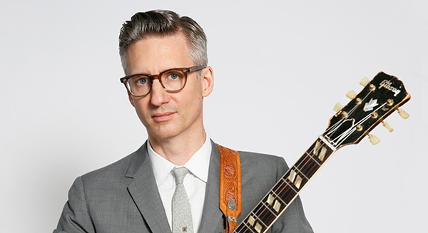 Chicago guitarist Joel Paterson applies his mastery of vintage country and jazz styles to holiday gems