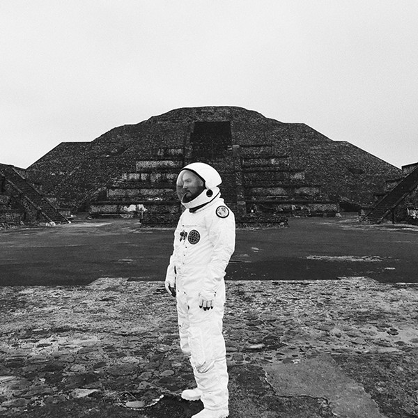The cover ofTowkio's newWWW.