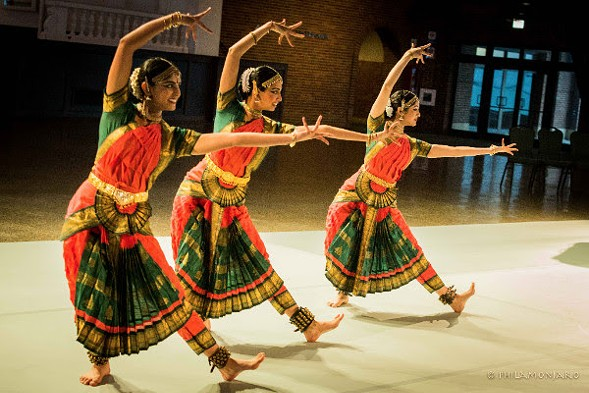 Chicago Dance Month kicks off with performances on Tue 3/27. - SEE CHICAGO DANCE