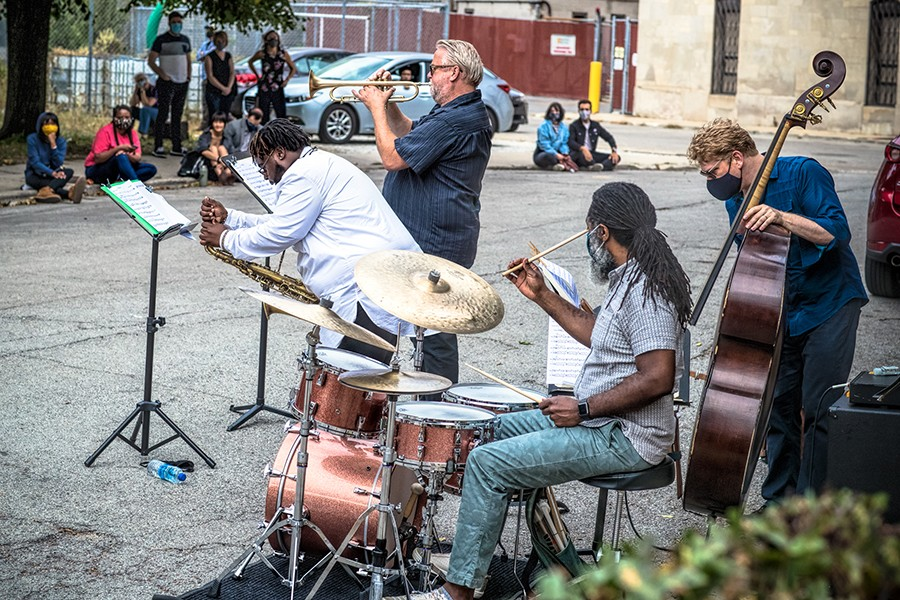 The Russ Johnson Quartet set up near the usual site of the 61st Street Farmers Market. - MICHAEL JACKSON FOR CHICAGO READER