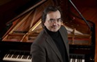 Great French pianist Pierre-Laurent Aimard plays Messiaen's monumental study of birdsong, <i>Catalogue D'oiseaux</i>