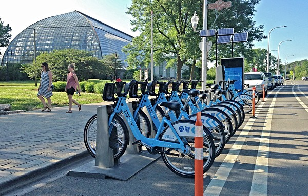 A new Divvy station by the Garfield Park Conservatory