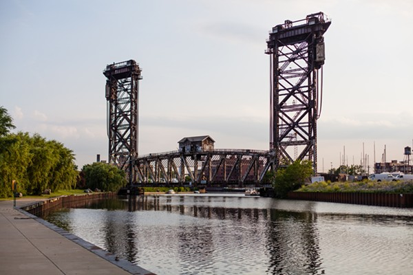 Amtrak's vertical lift bridge over the Chicago River