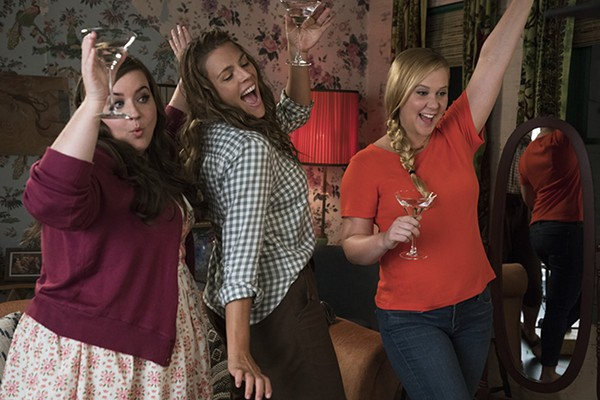 Aidy Bryant, Busy Phillips, and Amy Schumer in I Feel Pretty