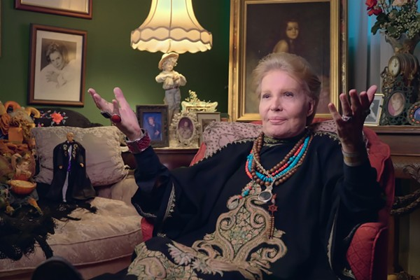 mucho_mucho_amor_the_legend_of_walter_mercado_00_06_34_12_rc.jpg