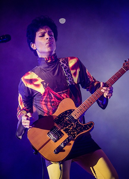 Prince performing at the United Center on September 25, 2012 - SUN-TIMES MEDIA
