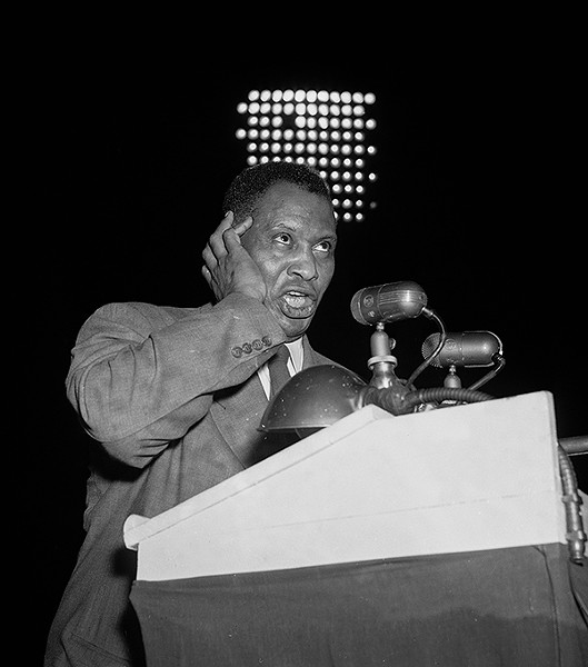Paul Robeson sings at a 1948 Progressive Party rally in Philadelphia. - AP PHOTOS