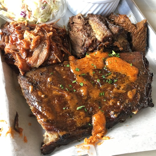 Barbecue in name only at Rylon's Smokehouse - MIKE SULA