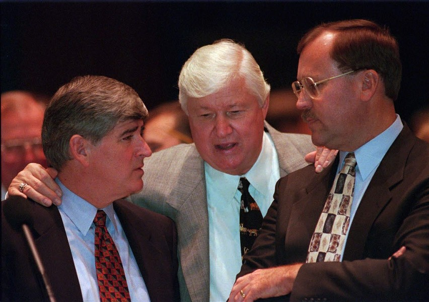 "Senate president James ""Pate"" Philip, center, confers with house minority leader Lee Daniels, left, and another lawmaker during a special session in Springfield in 1997. - AP PHOTO/SETH PERLMAN"
