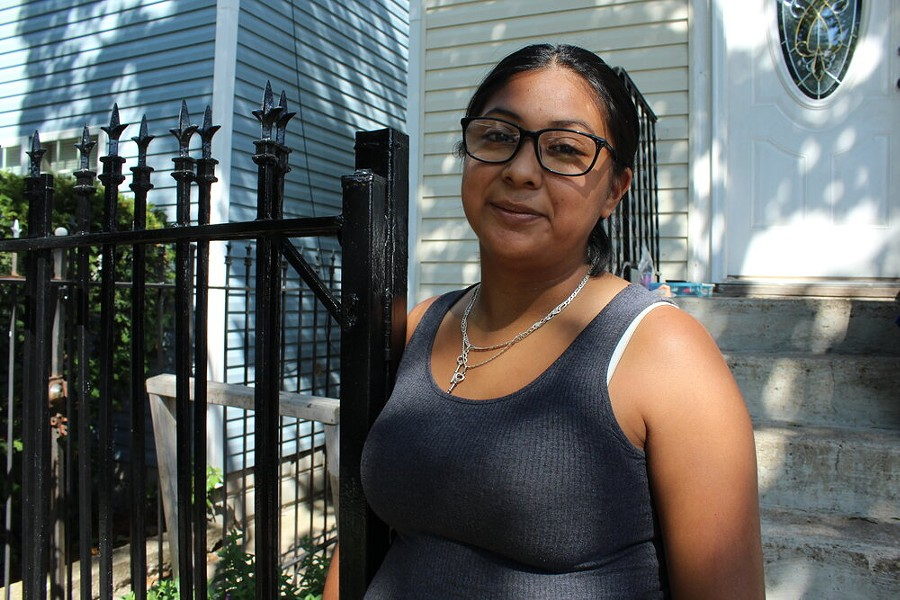 Lorena De La Cruz is motivated to complete the census to bring resources to her community in Back of the Yards. - ALEXANDRA ARRIAGA