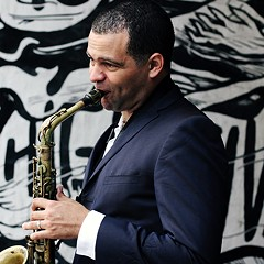 Saxophonist Greg Ward returns to Chicago on Mingus wings