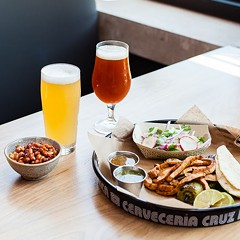 With Cruz Blanca, Empire Bayless adds a taqueria and cerveceria