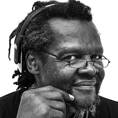 Outsider artist and antifolk musician Lonnie Holley gives a rare public performance at Intuit