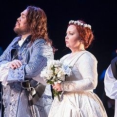 Lyric Opera's bloody-bride opera, Lucia di Lammermoor, is all about the singing