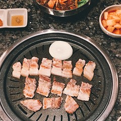 Delight in the belly of the beast at Pro Samgyubsal