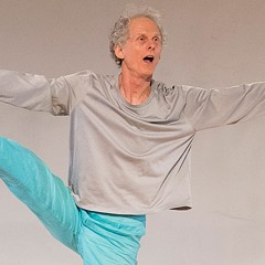 Links Hall cofounder Bob Eisen celebrates his 70th birthday with a performance and party tonight
