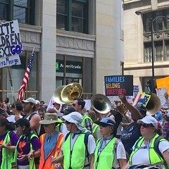 Thousands protest Trump in the Families Belong Together March [PHOTOS]