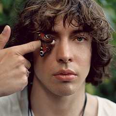 UK singer-songwriter Barns Courtney explores existential themes on 404