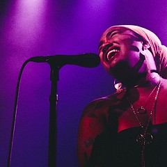 Bassist and singer-songwriter Tonina casts a spell with soulful multilingual ballads