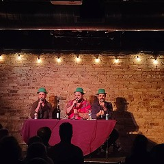 Live! From Chicago! It'syour favorite podcast
