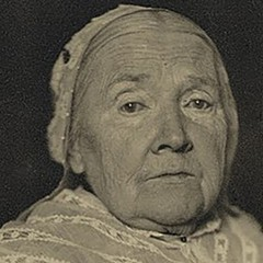 Julia Ward Howe thinks you should call your mother.
