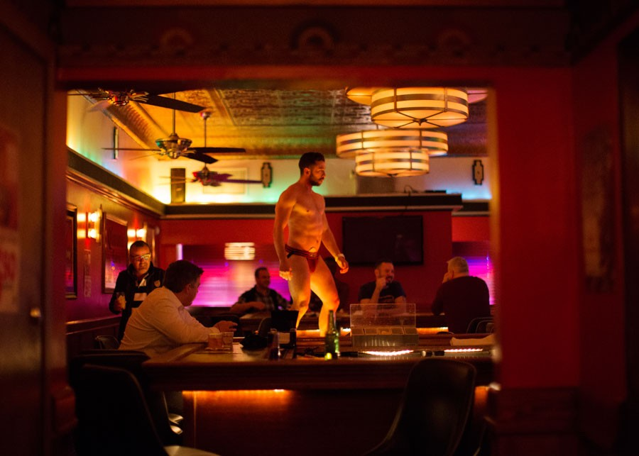 Gay hookup bars chicago