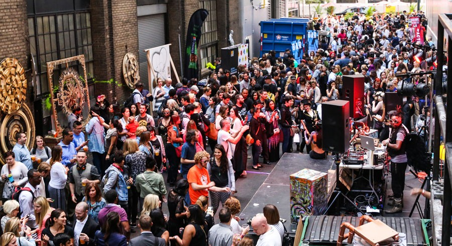 """Activate takes over the Hard Rock Alley with """"scent-scapes"""" on Thu 7/14. - COURTESY OF JENNIFER CATHERINE PHOTOGRAPHY FOR CHICAGO LOOP ALLIANCE"""