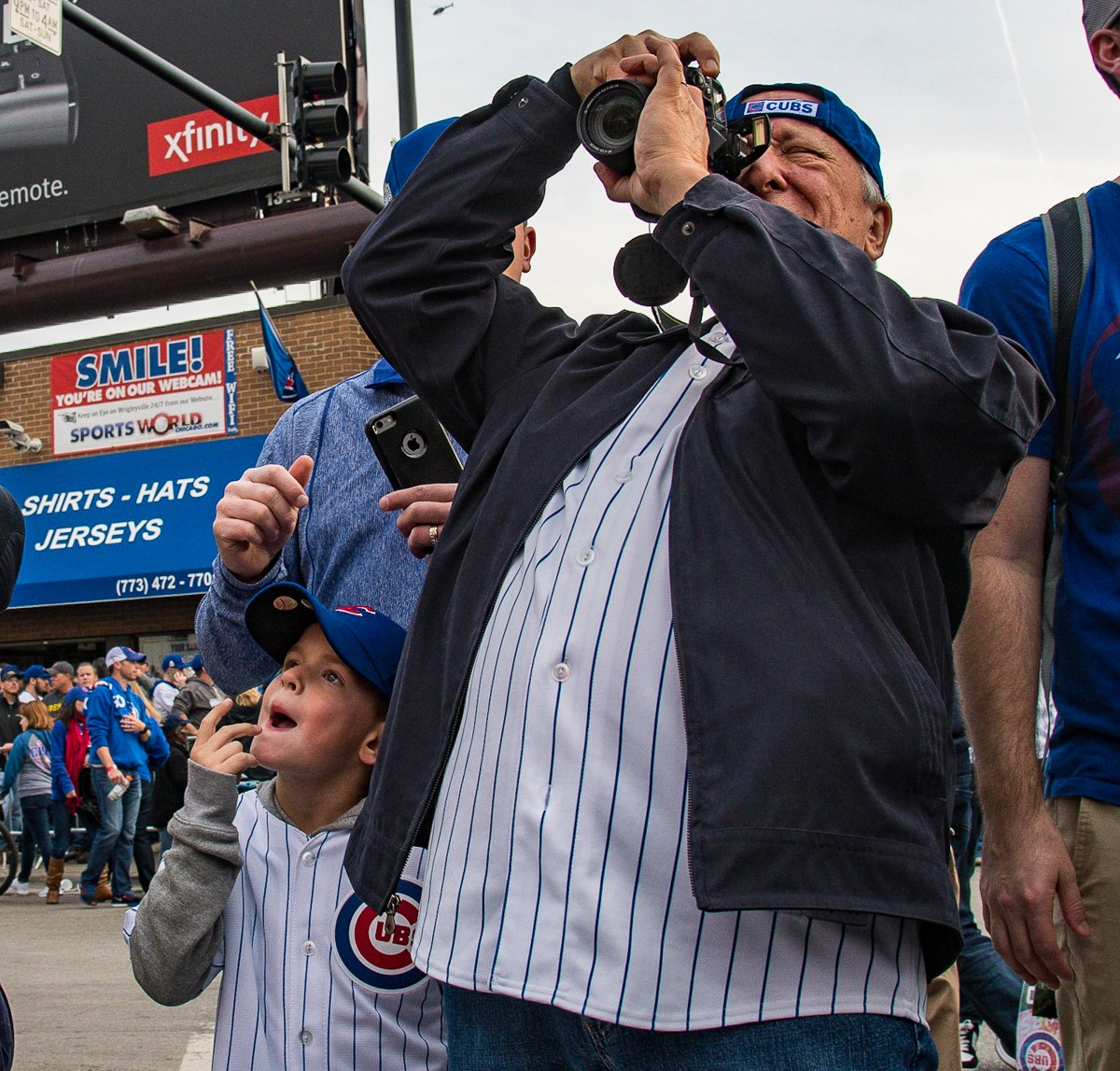 Flying the W: Scenes from Wrigleyville during the Cubs ...