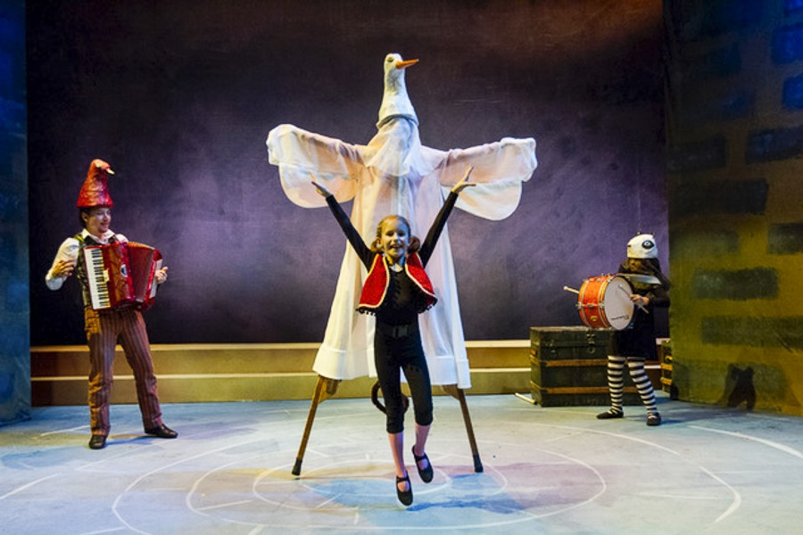 Chicago Children's Theatre's The Year I Didn't Go to School: A Homemade Circus - CHARLES OSGOOD PHOTOGRAPHY