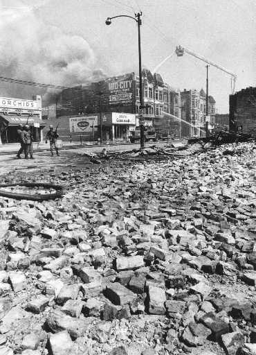Near Madison and Albany, April, 1968 - SUN-TIMES PHOTO