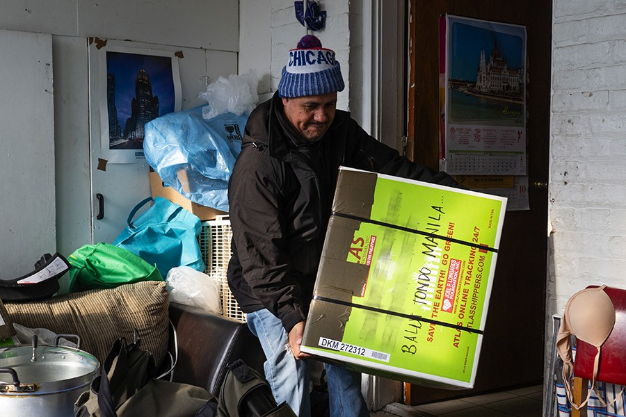 Boxes to the Philippines keep loved ones close | Feature | Chicago