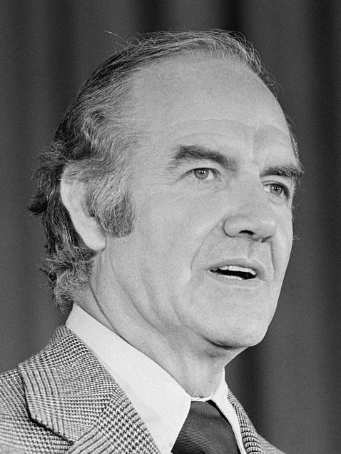 For centrist Dems, George McGovern is the ghost of lost elections past.