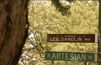 Former <i>Reader</i> writer Lee Sandlin honored with a stretch of Artesian Avenue