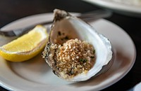 Oyster Bah serves up the flavors of Maine on North Halsted Street