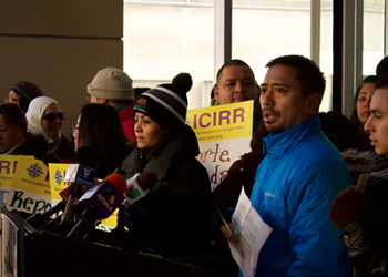 Chicago activists tell undocumented immigrants not to open their doors