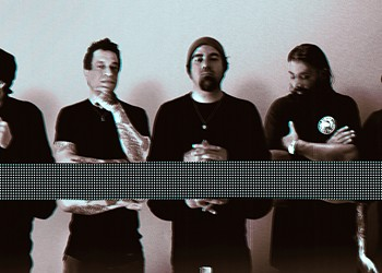 Alt-metal giants Deftones widen their uncharted path with the heavier, moodier <i>Ohms</i>