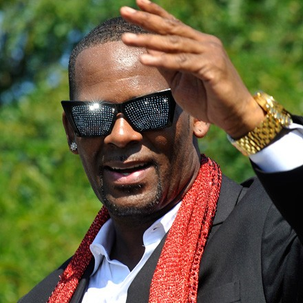 We don't see nothin' wrong with R. Kelly at Pitchfork