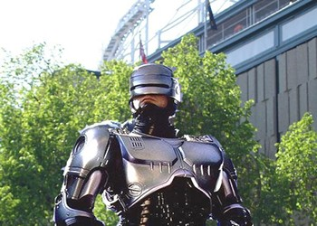 Can Chicago Do Better Than Detroit's Robocop Statue?