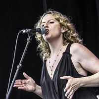 Woodstock's Amy Helm Holds Album Campaign