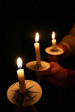 candlelight_christmas_service.jpg
