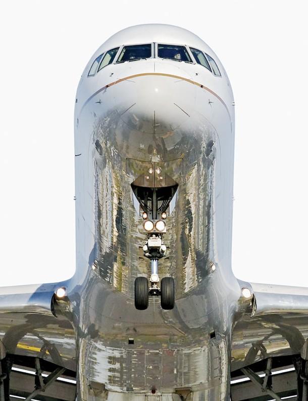 """""""Continental Boeing 757-200,"""" Jeffrey Milstein, LAX, 2012."""