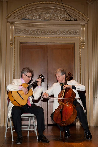 Eliot Fisk and Yehuda Hanani played the Mahaiwe Performing Arts Center on March 23.