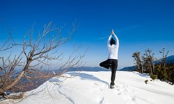 df342678_beginners_yoga_in_the_snow_pic.jpg
