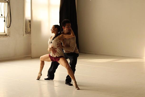 Francesca Dario and Kentaro Kikuchi of Oliva Contemporary Dance Project rehearsing - MICHELE OLIVA