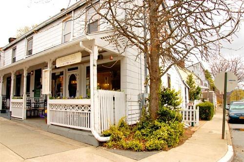 Hudson Hils Cafe and Market
