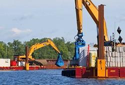 1357162822-general-electric-exceeds-cleanup-goal-on-hudson-river.jpg