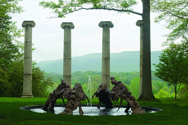 Lynda Benglis, North South East West, cast bronze fountain and steel, 2009. Courtesy the artist; Cheim & Read, New York; and Locks Gallery, Philadelphia. © Lynda Benglis / Licensed by VAGA, New York. - JERRY L. THOMPSON