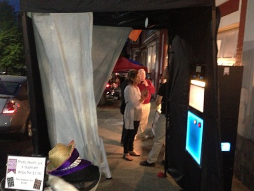 Night market in Kingston brings diners and shoppers to the end of Broadway & the Rondout area